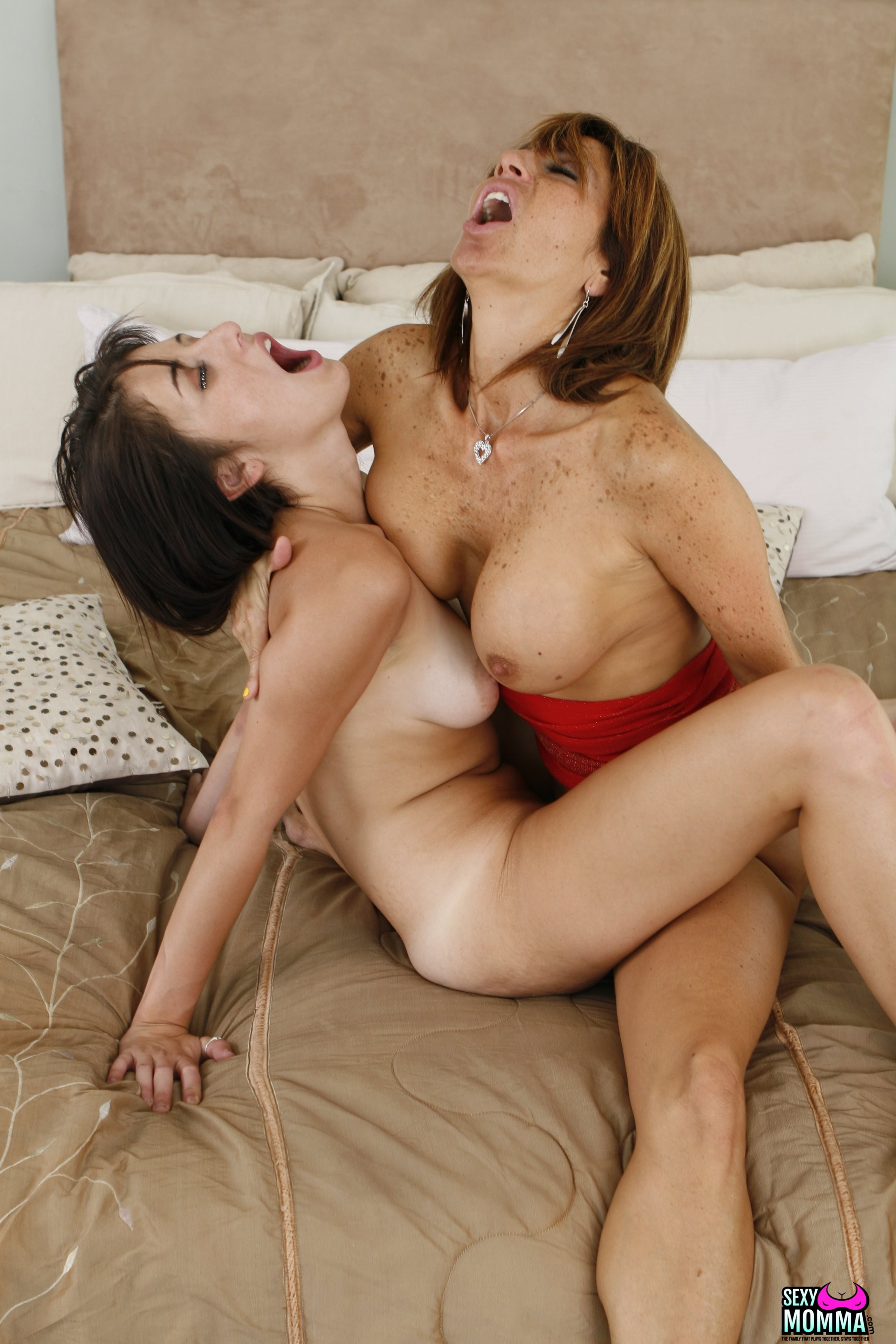 Step Mommy, Tera Holiday, is trying to get along with her step daughter but nothing seems to be working.